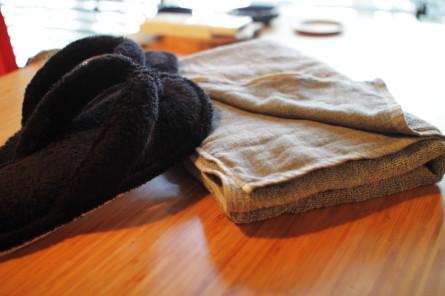 サラサラのタオルとサンダル
